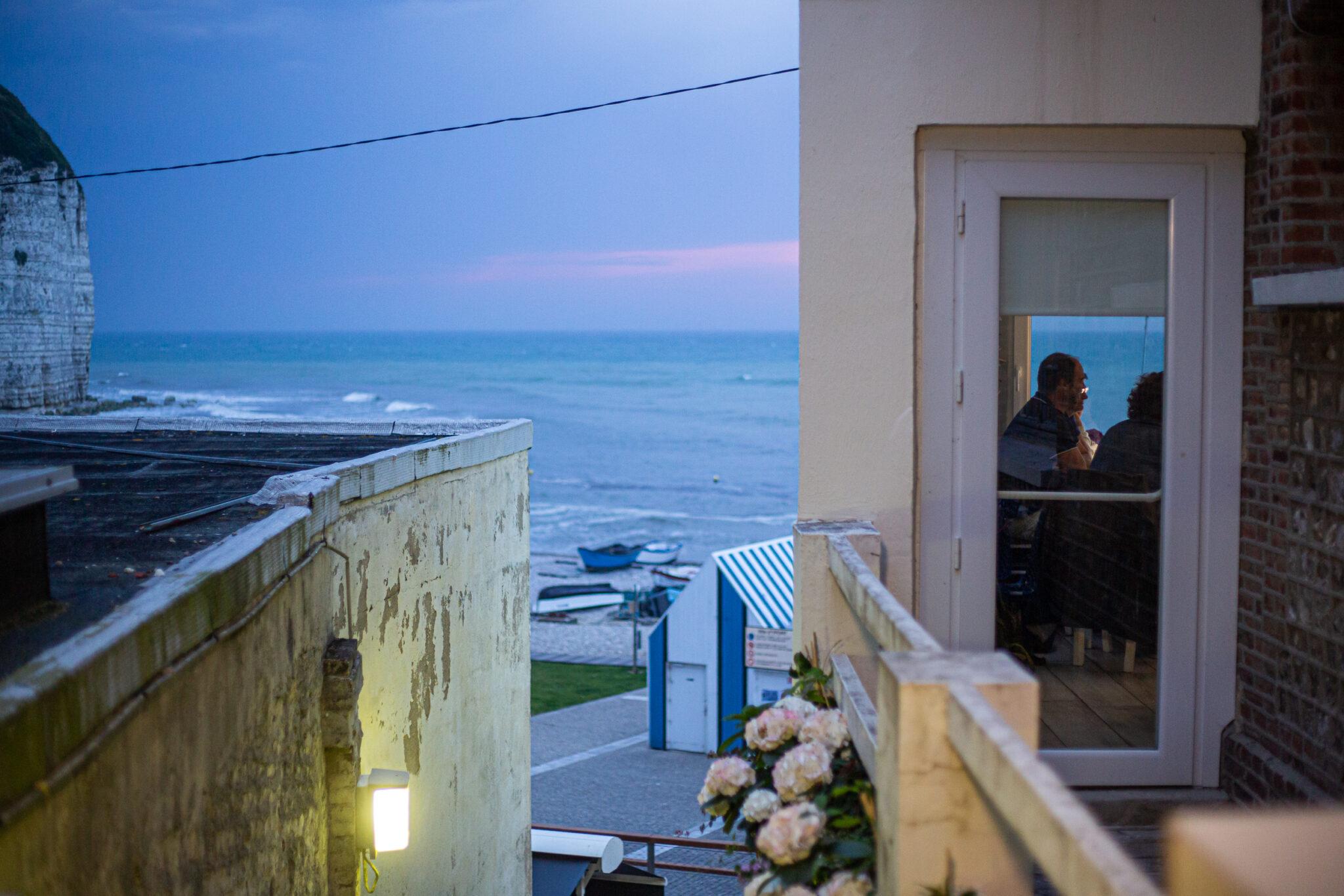 Hôtel La Sirène vue sur la mer de nuit